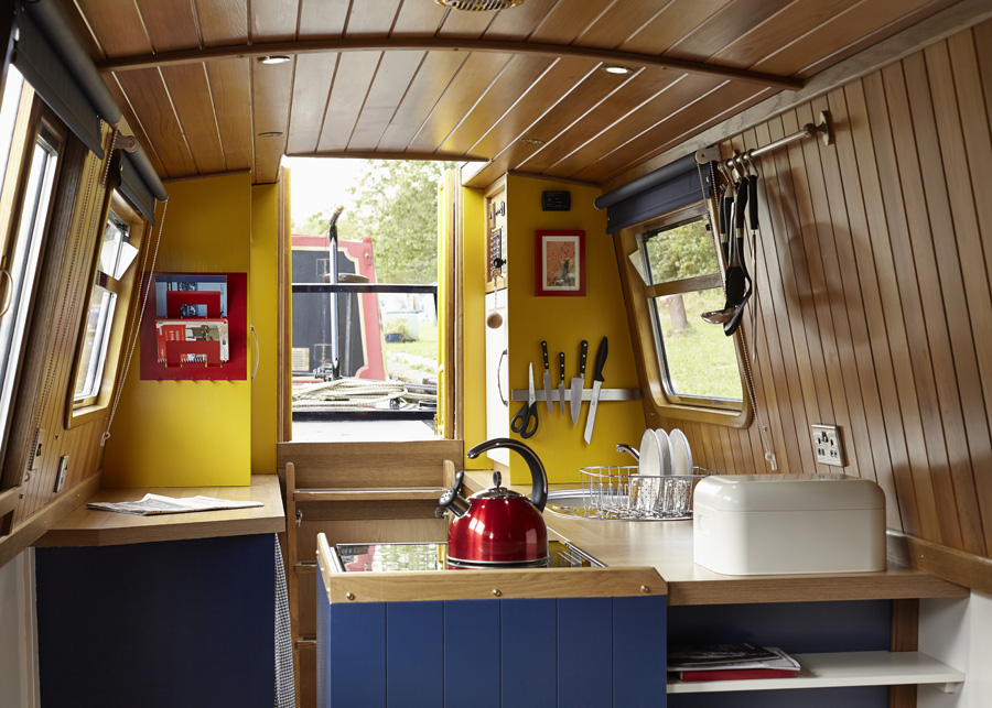 United Kingdom, Manchester. 'Queenie' Star Narrowboat Holidays