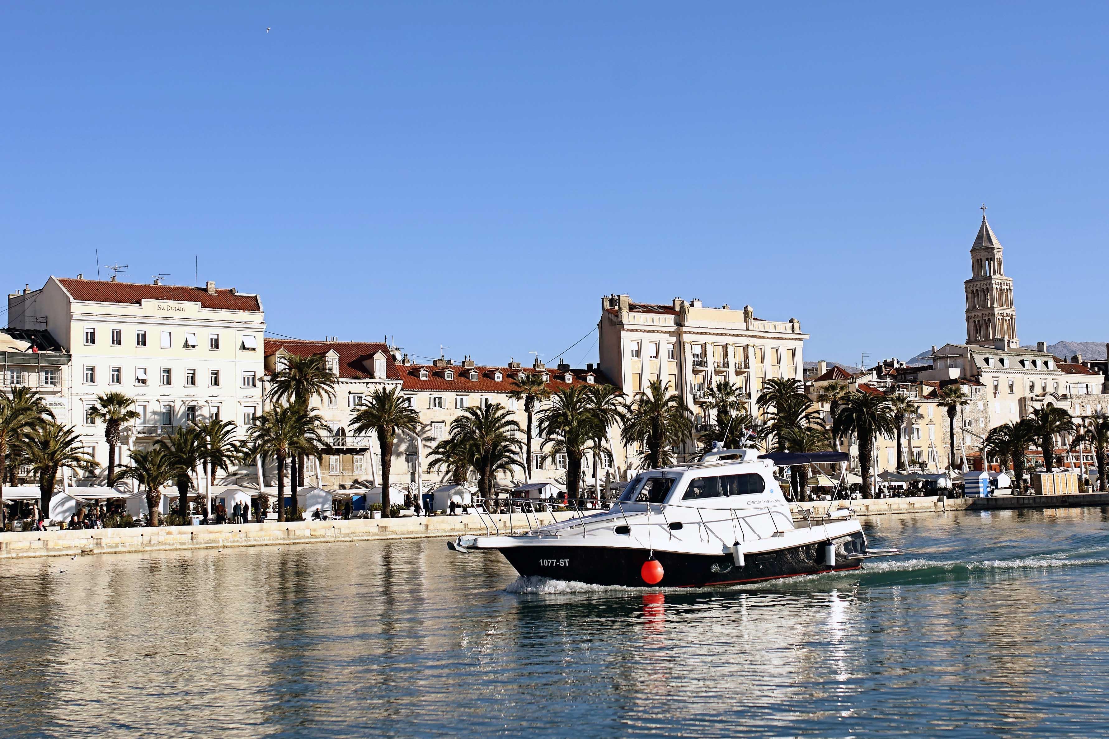 Croatia, Split. Damor Fjera 980