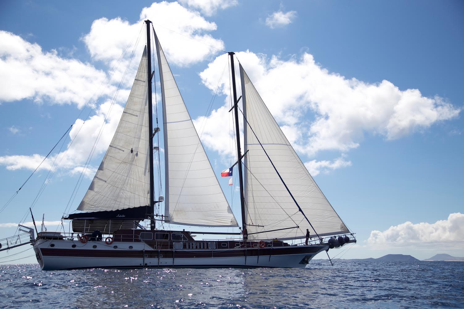 Panama, Red Frog Marina Resort /Bastimentos. Classic wooden sailing yacht