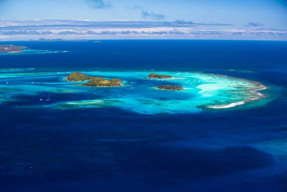 St. Vincent & Grenadines. Sai..